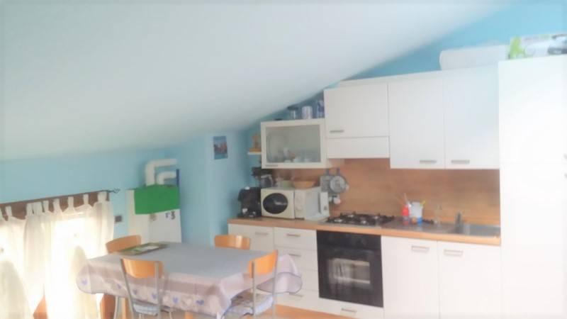 Appartamento in buone condizioni arredato in vendita Rif. 7414280