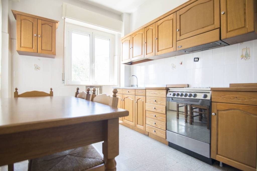 Appartamento in buone condizioni in vendita Rif. 7413327
