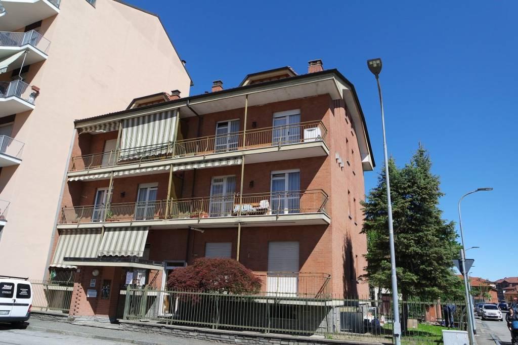 Appartamento in buone condizioni in affitto Rif. 7414275