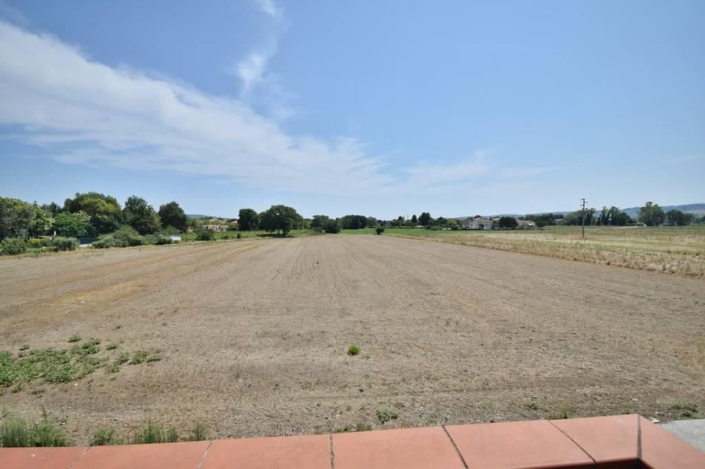 Montecosaro scalo , proponiamo terreno edificabile di 15000
