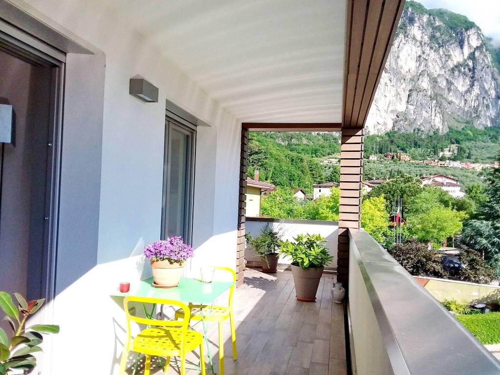 Appartamento in ottime condizioni parzialmente arredato in vendita Rif. 7410106