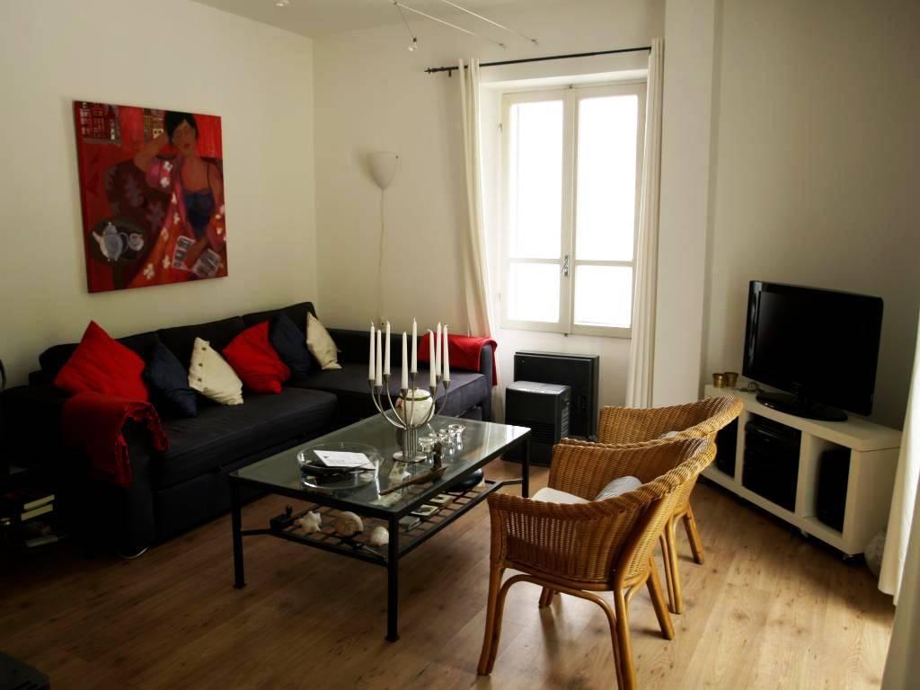 Appartamento in ottime condizioni arredato in vendita Rif. 7411335