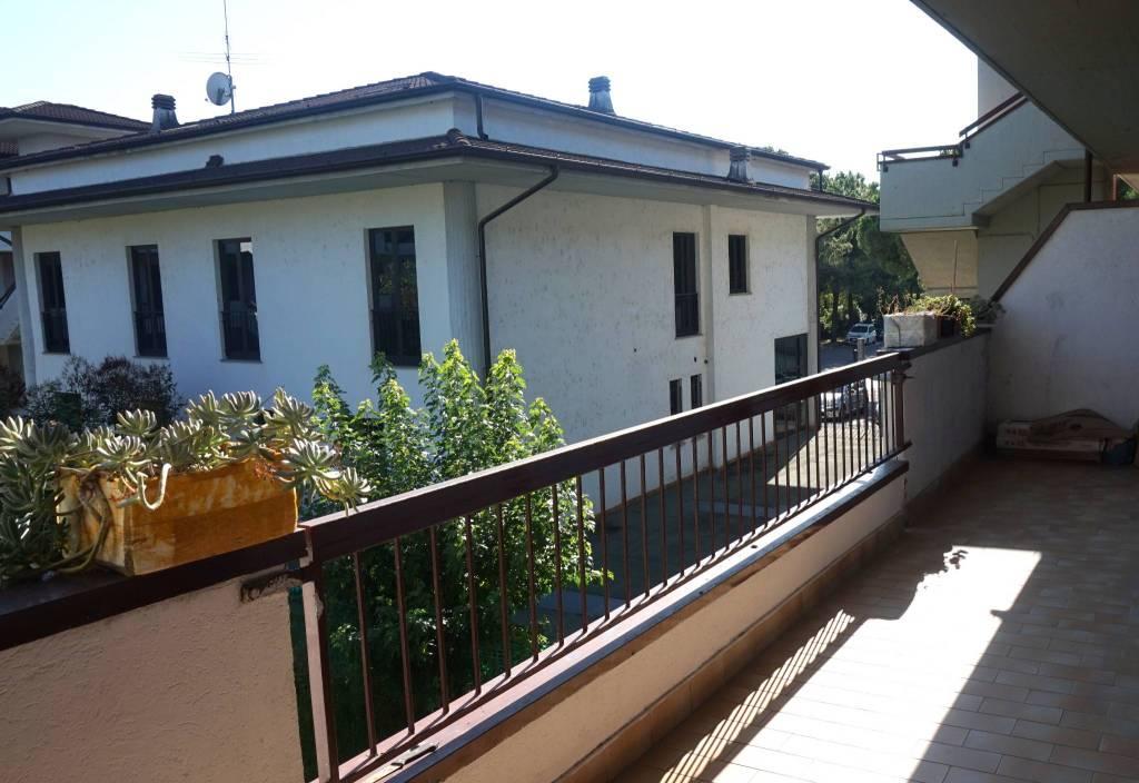 Appartamento in vendita a Leno, 3 locali, prezzo € 69.000 | CambioCasa.it