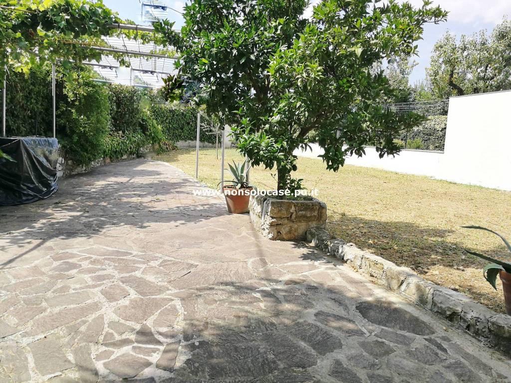 San Martino terratetto 3 vani con giardino 250 mq.