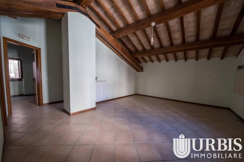 Appartamento in vendita a Assisi, 3 locali, prezzo € 170.000 | CambioCasa.it