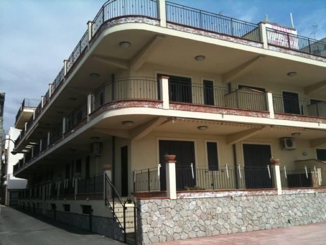 Appartamento in buone condizioni in vendita Rif. 7409655