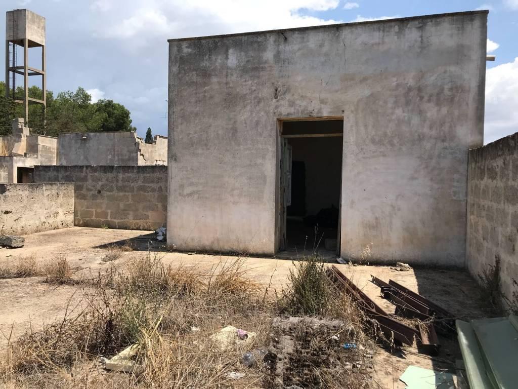Rustico in Vendita a Nardo' Periferia: 5 locali, 400 mq