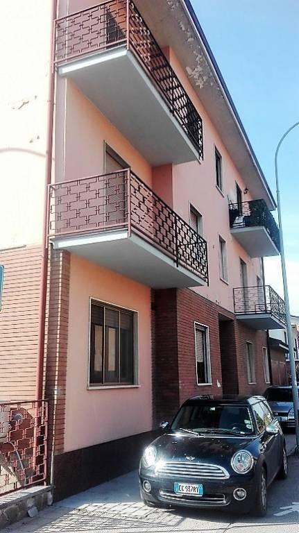 Appartamento da ristrutturare in vendita Rif. 6611247