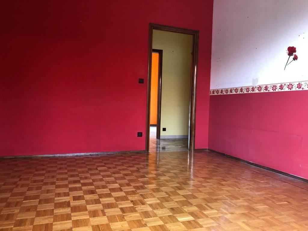 Appartamento in buone condizioni in affitto Rif. 7424525