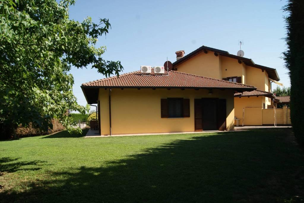 Foto 1 di Casa indipendente via San Rocco, Oglianico