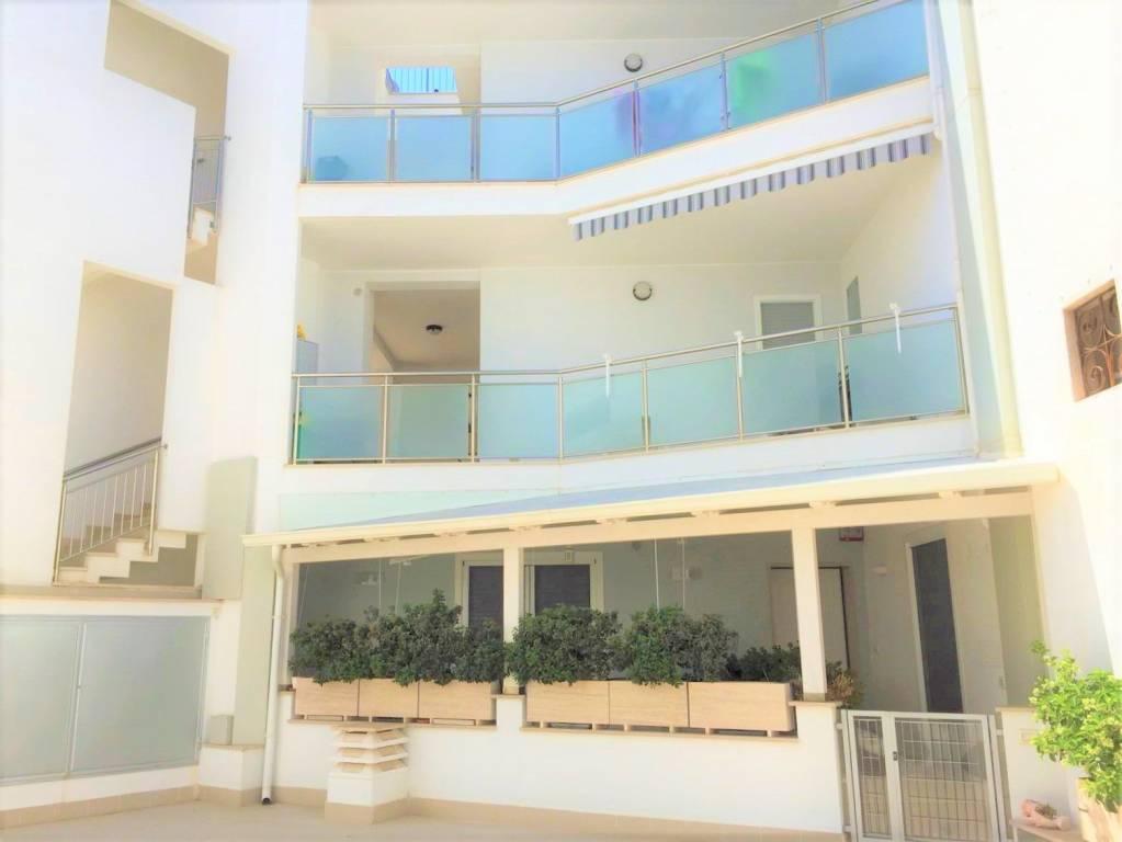 Appartamento in ottime condizioni in vendita Rif. 7424389