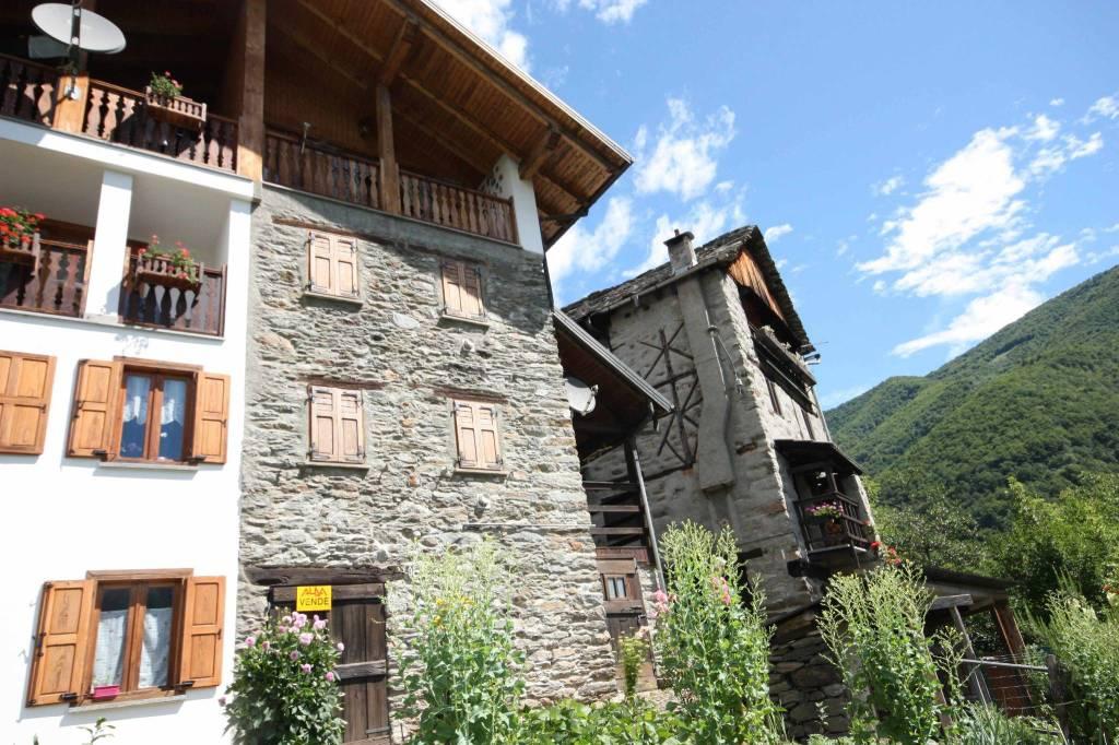 Casa Indipendente in buone condizioni in vendita Rif. 7424412
