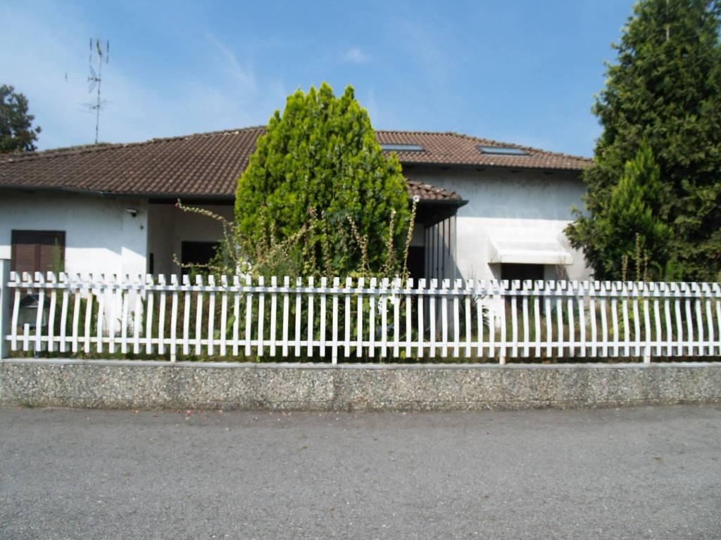 Villa in buone condizioni in vendita Rif. 7518728