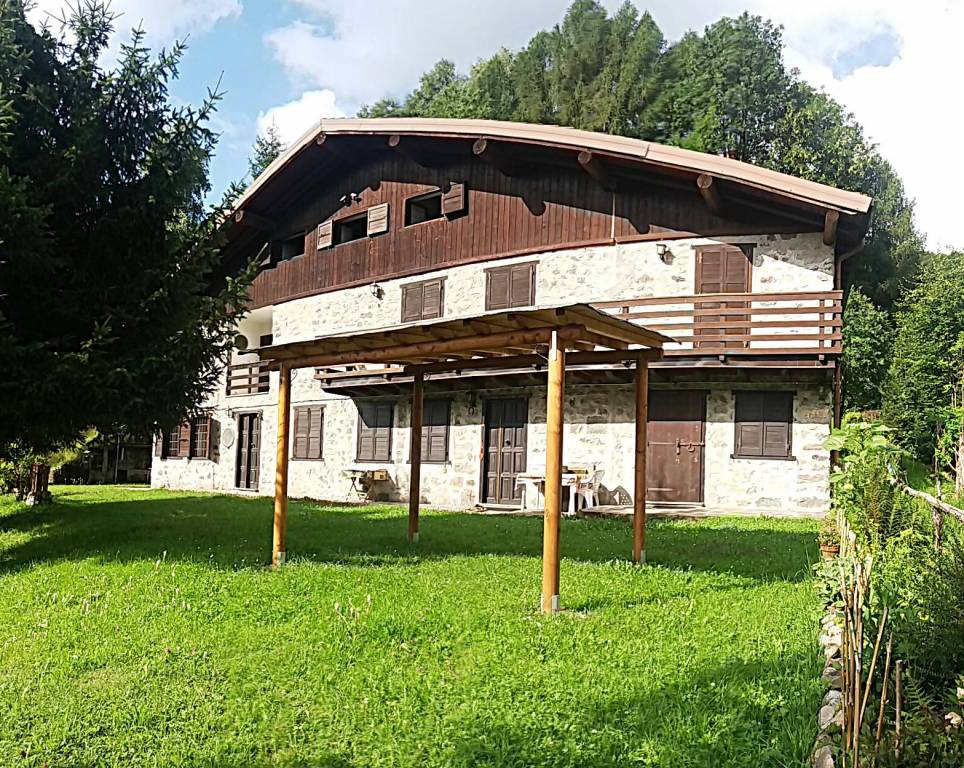 APPARTAMENTO VACANZA IN MONTAGNA - MANIVA (BAGOLINO)