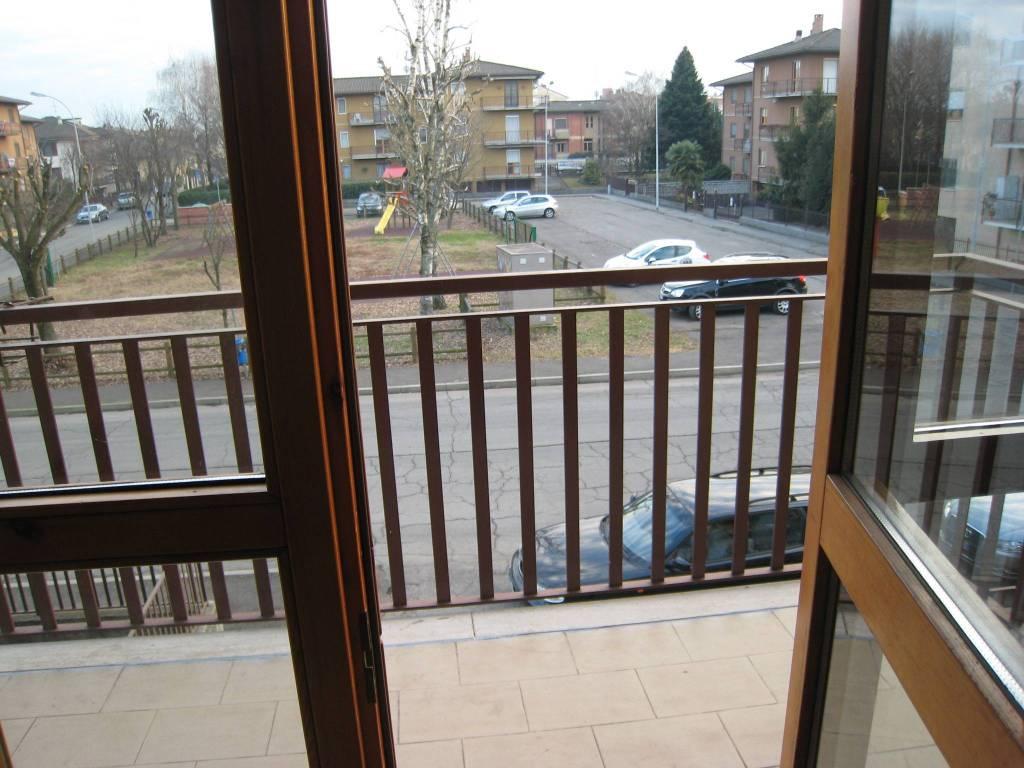 Appartamento in ottime condizioni in affitto Rif. 9194611