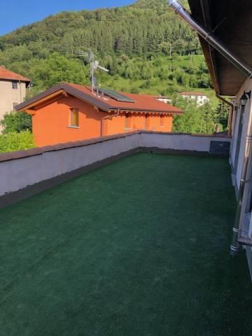 Appartamento in buone condizioni parzialmente arredato in vendita Rif. 4937940