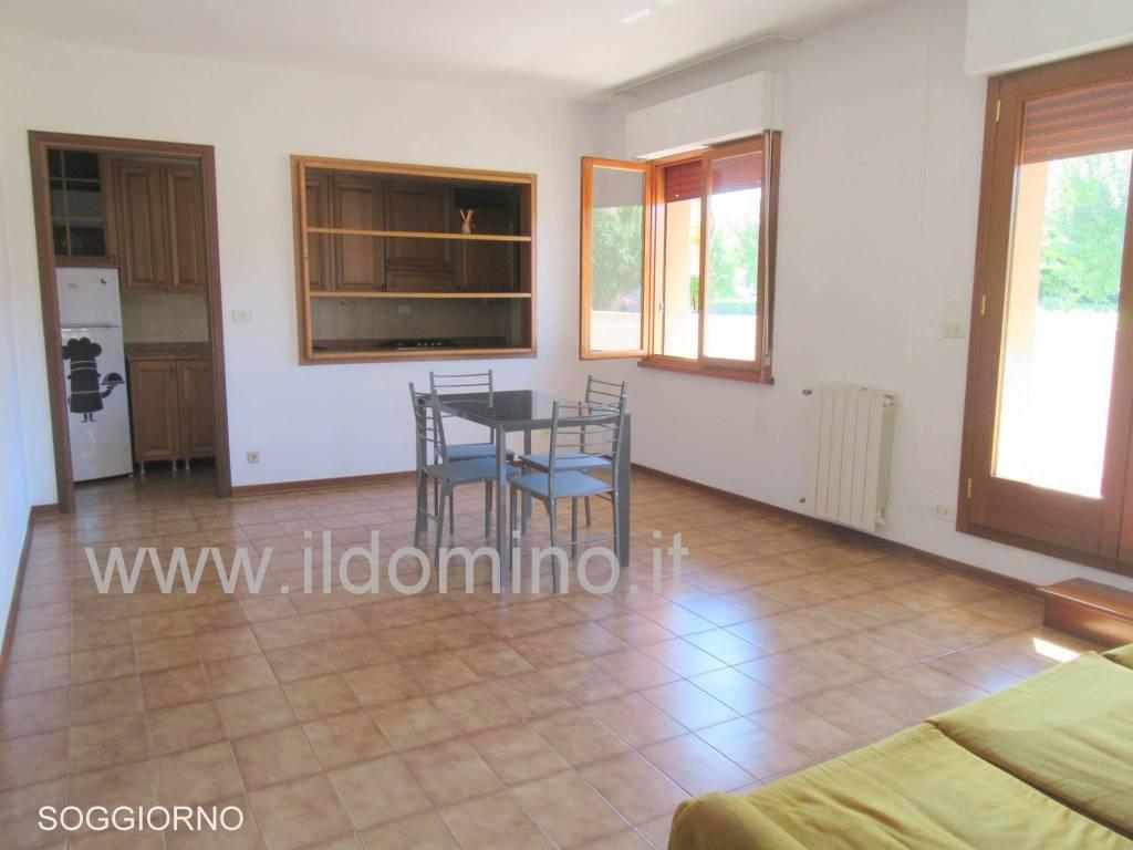 Appartamento in ottime condizioni in vendita Rif. 7411739