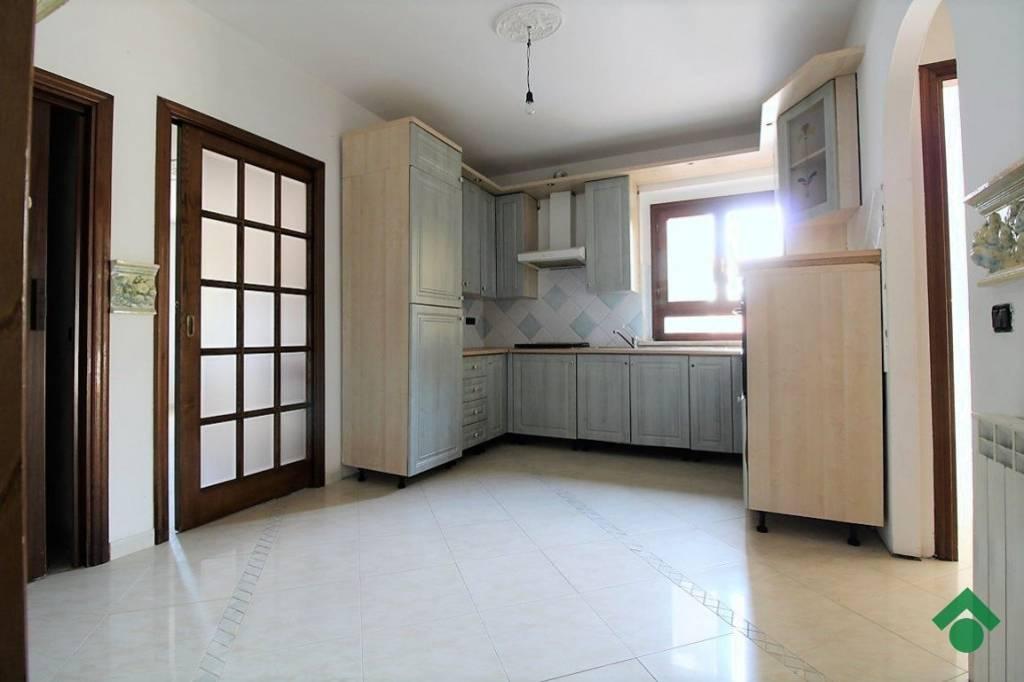 Appartamento in ottime condizioni in vendita Rif. 9317910