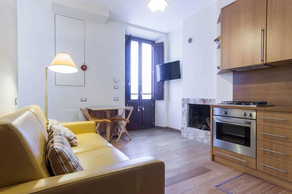 Appartamento in ottime condizioni arredato in vendita Rif. 8776438