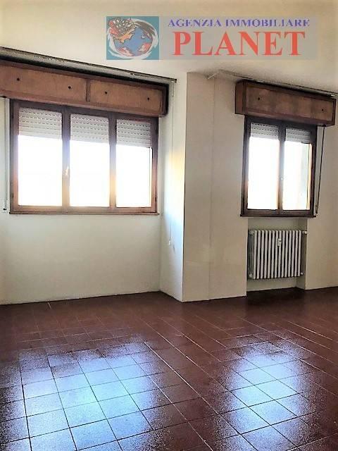 Appartamento in buone condizioni in vendita Rif. 8229330