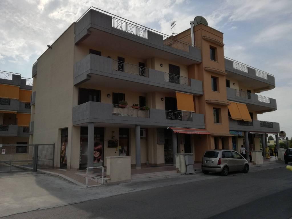 Appartamento in buone condizioni in vendita Rif. 7436515