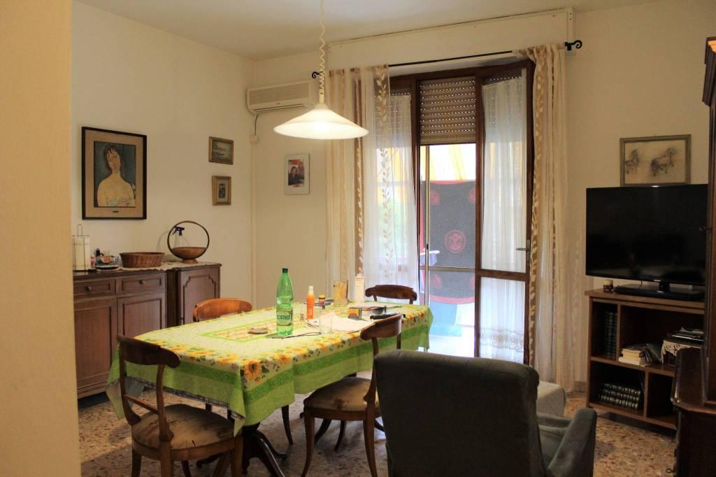 Appartamento in buone condizioni in vendita Rif. 7437435