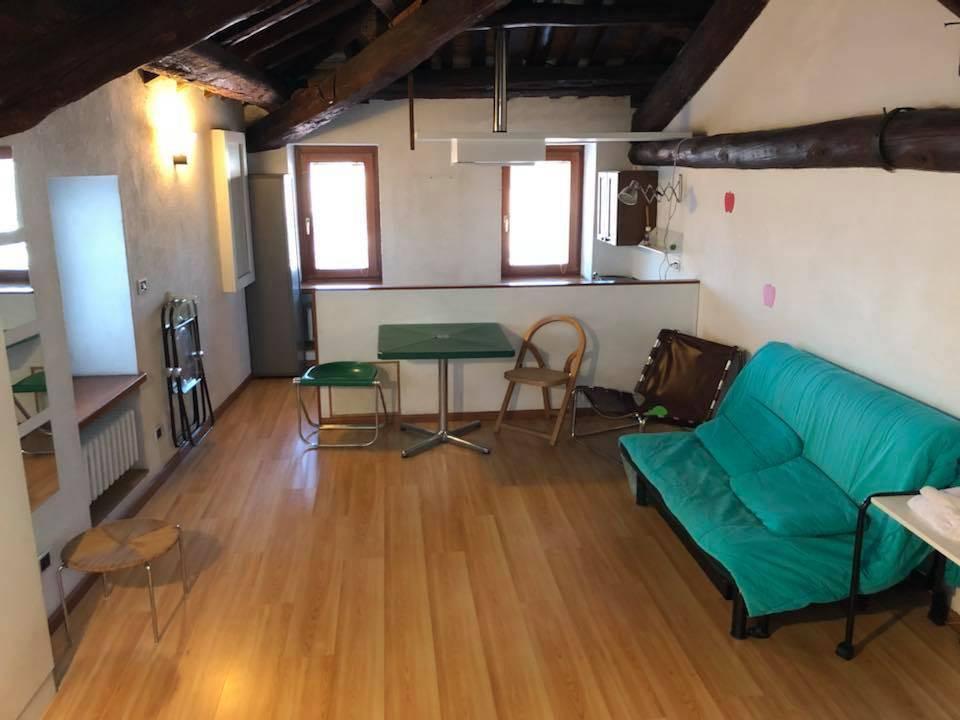 Appartamento in buone condizioni arredato in affitto Rif. 7438290