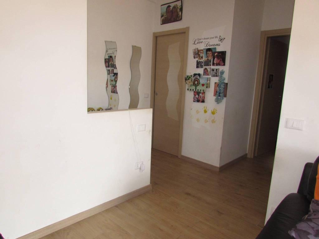 Appartamento in ottime condizioni in vendita Rif. 7438124