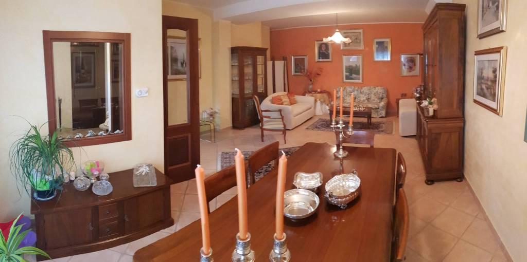Villetta a schiera in ottime condizioni parzialmente arredato in vendita Rif. 7438774