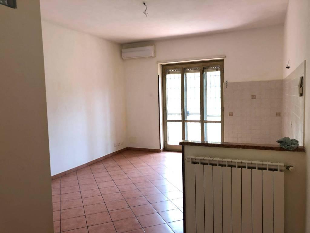 Appartamento in ottime condizioni in affitto Rif. 9085802