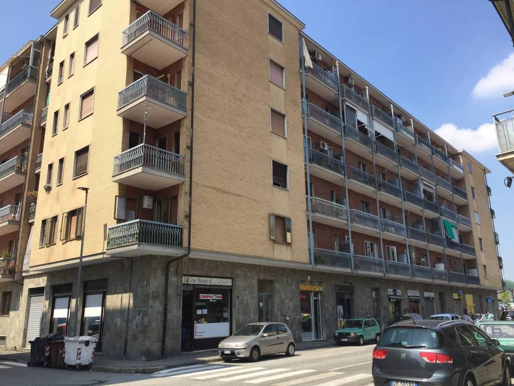 Appartamento in buone condizioni in affitto Rif. 7436513