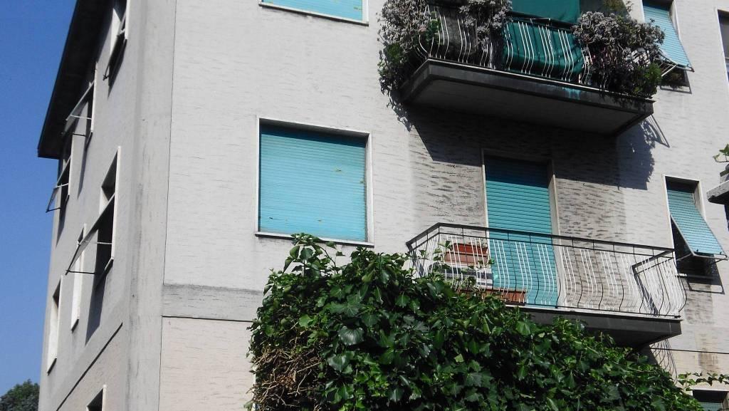 Appartamento in buone condizioni in vendita Rif. 7438618