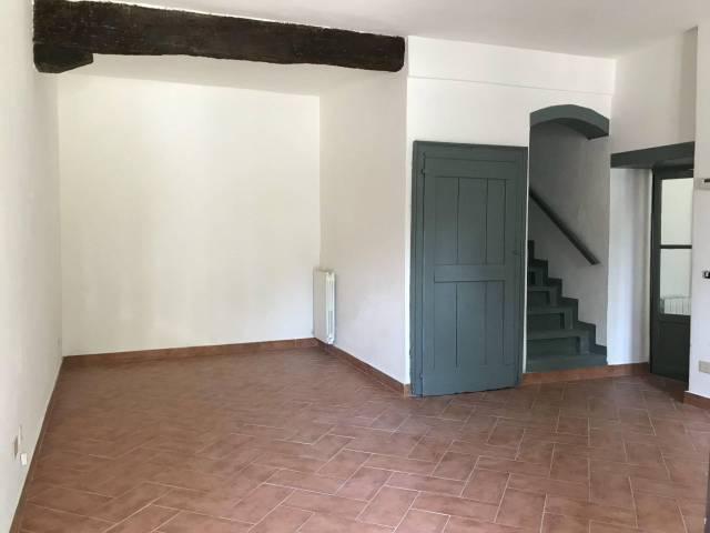 Appartamento in buone condizioni in affitto Rif. 4404589