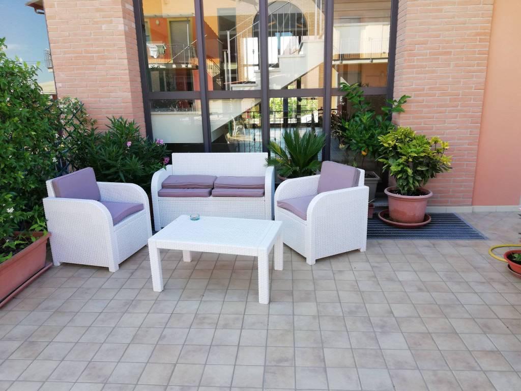 Appartamento in ottime condizioni in vendita Rif. 7412443