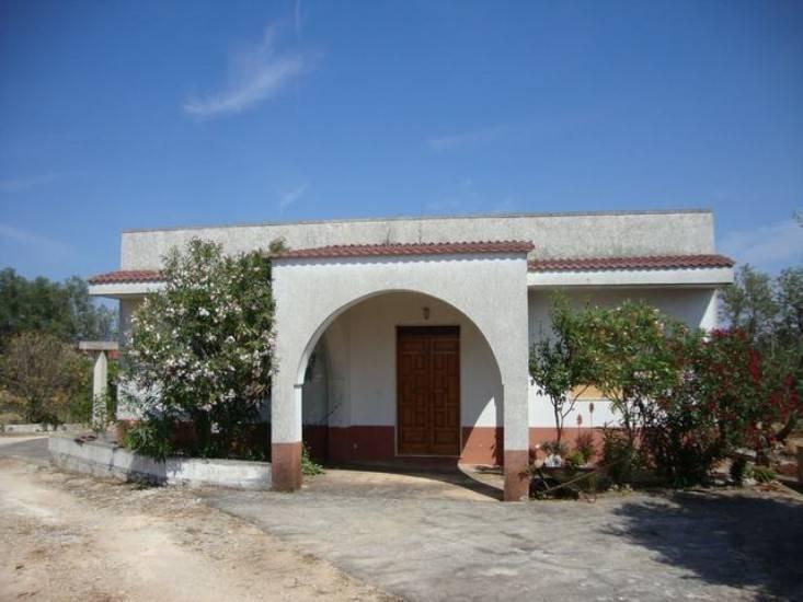 Villa in buone condizioni in vendita Rif. 7438236
