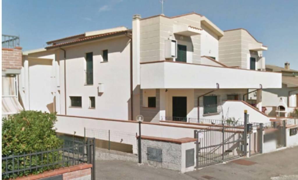 Appartamento in ottime condizioni in vendita Rif. 7441287