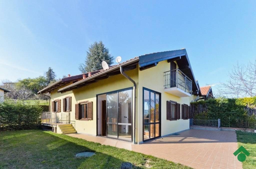 Villa in buone condizioni parzialmente arredato in vendita Rif. 9377553