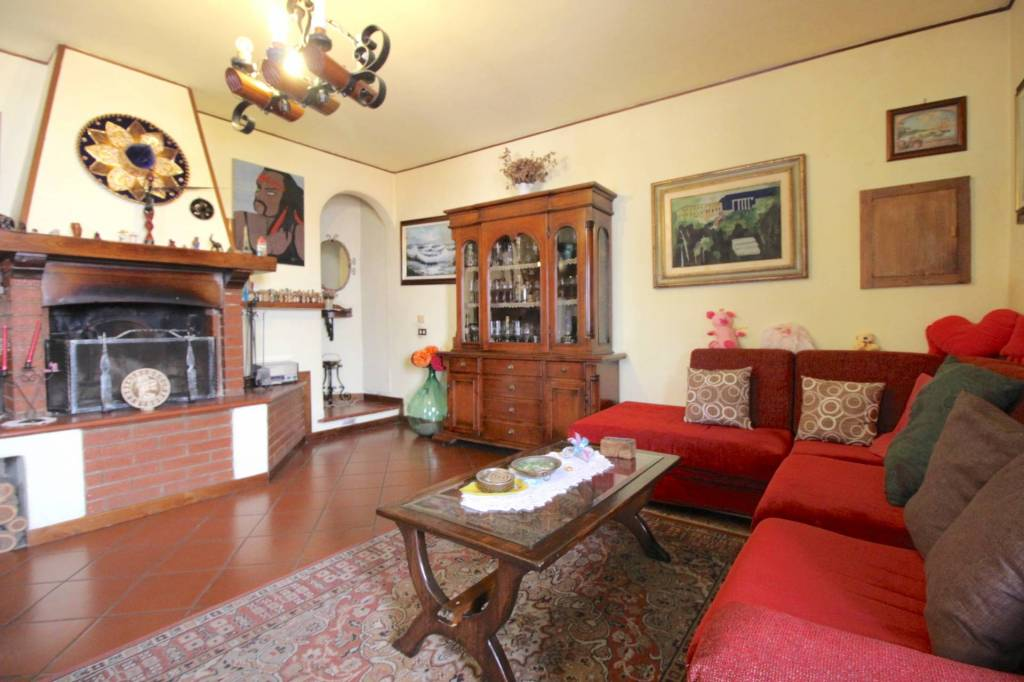 Casa Indipendente in buone condizioni in vendita Rif. 7435424