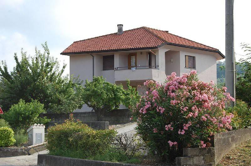 Casa Indipendente in buone condizioni arredato in vendita Rif. 7451359