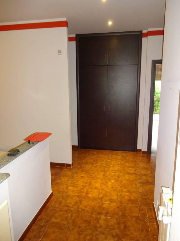 Appartamento in buone condizioni arredato in vendita Rif. 7450754