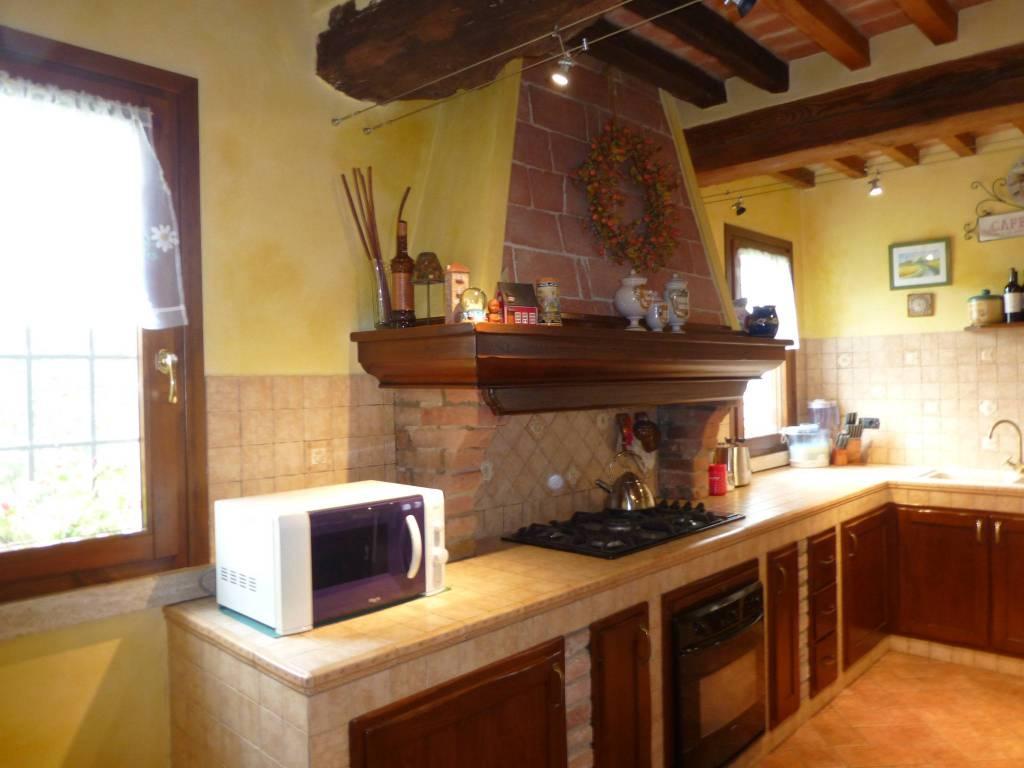 Villa in ottime condizioni in vendita Rif. 7448280