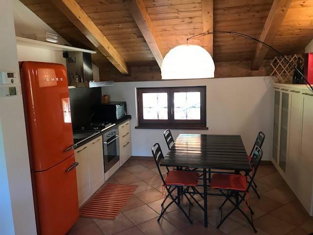 Appartamento in ottime condizioni arredato in affitto Rif. 7450893