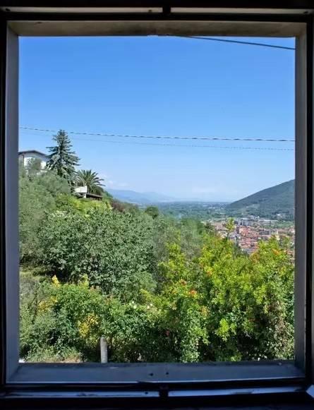 Collina di Lerici bilocale con giardino e posto auto