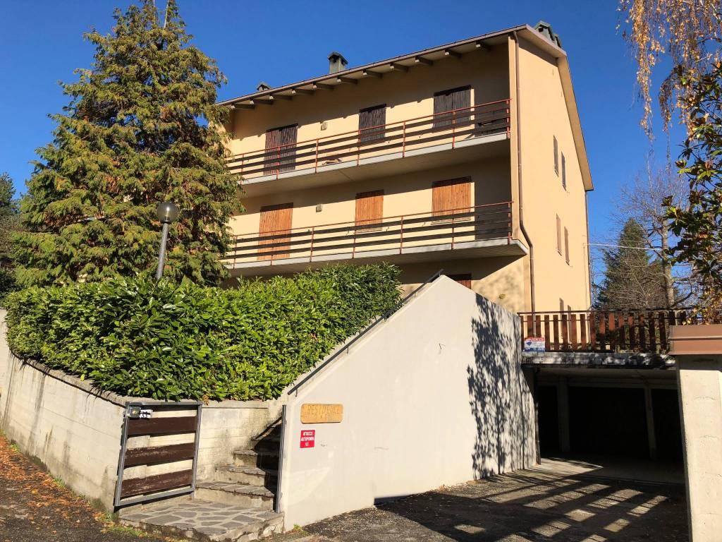 Appartamento in ottime condizioni arredato in vendita Rif. 7450198