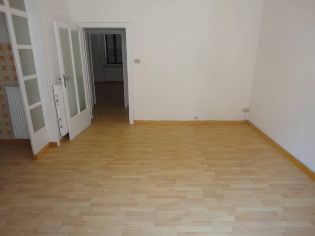 Appartamento in buone condizioni arredato in affitto Rif. 7450813