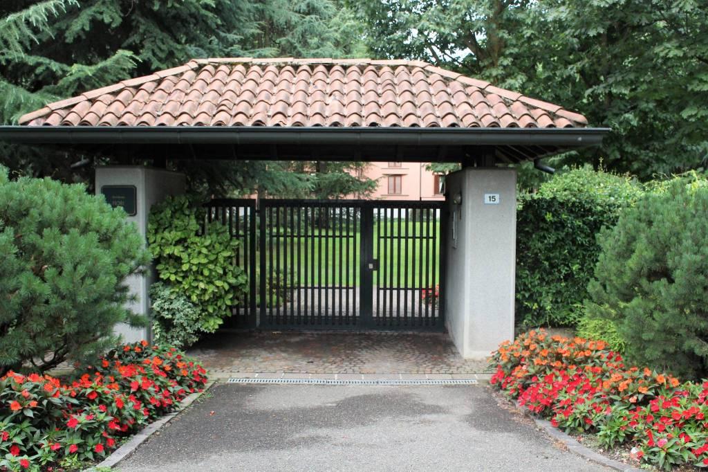 Appartamento in buone condizioni in vendita Rif. 7451354