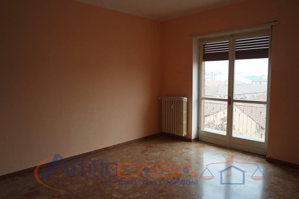Appartamento in buone condizioni in affitto Rif. 7452912