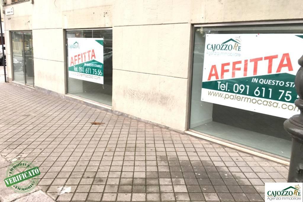 Locale Commerciale 4 vetrine-p.zza Crispi/S. Corleo Rif. 9303728