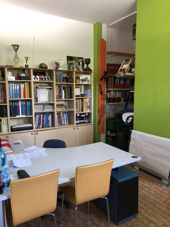 Appartamento in buone condizioni in vendita Rif. 7450029