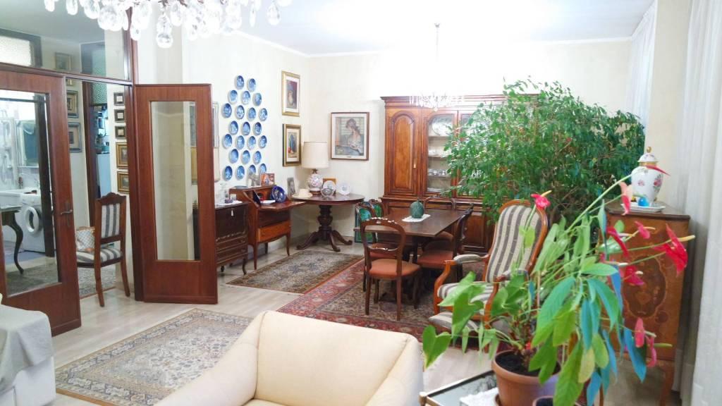 Appartamento in ottime condizioni parzialmente arredato in vendita Rif. 7719444
